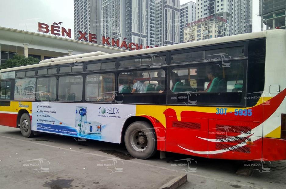 Giấy Corelex quảng cáo trên xe buýt