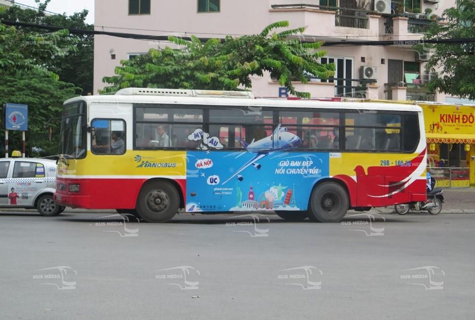 China Sounthern Airlines quảng cáo trên xe buýt